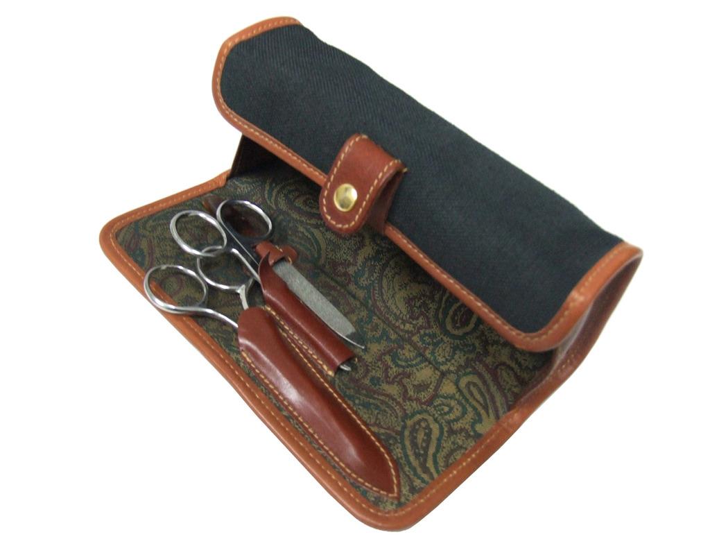 Concord 71002 Black Manicure / Shaving Case